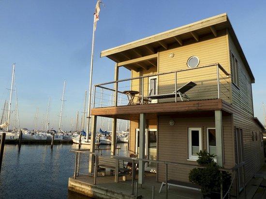 Lauterbach, Allemagne : Schwimmendes Ferienhaus