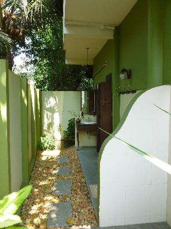 Motty's Homestay: The Open air  bathroom