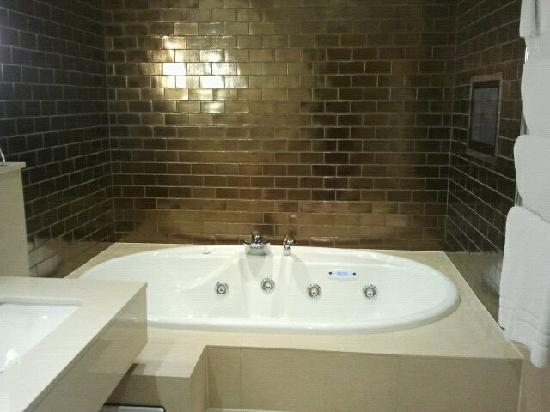 Rudding Park Hotel: Bathroom
