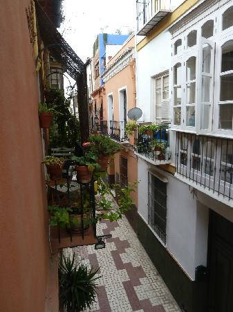 El Riad Andaluz: Little balcony overlooking pedestrian walk