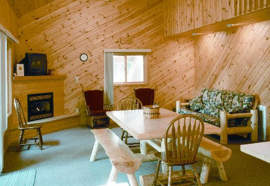 Lakecrest Resort: Comfortable Accommodations