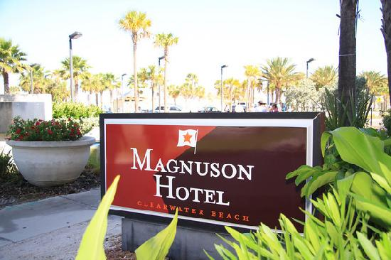 Magnuson Hotel Clearwater Beach: Front