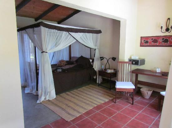 Olasiti Lodge, Tanganyika Wilderness Camps: my room