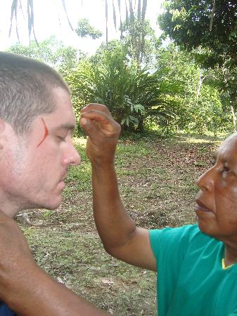 Secoya Lodge: Traditional face Painting