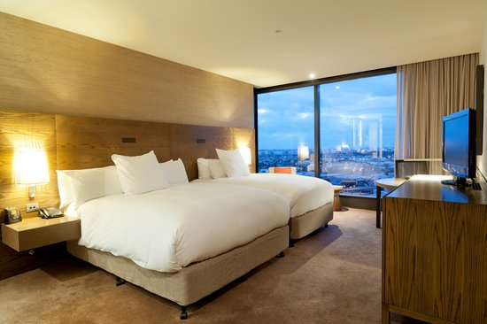 Hilton Melbourne South Wharf: Queen Family Room