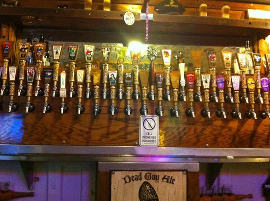 Brewer's on the Bay: Wide variety of choices :)