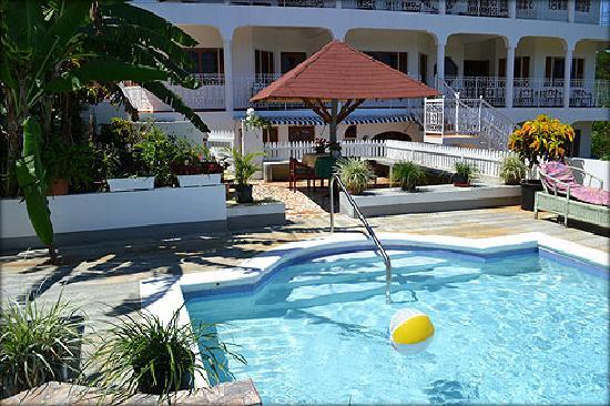 Villa Victoria Jamaica - The Swimming Pool