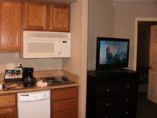 Homewood Suites Alexandria: Room 102 - one bedroom