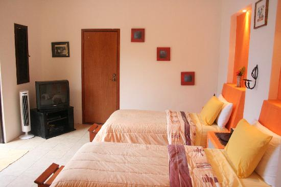 Casita de Maya: Our Standard twin Bedroom