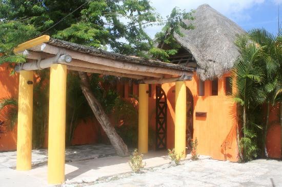 Casita de Maya: Exterior View