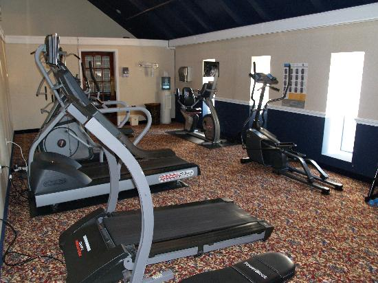 Garden Plaza Hotel: Fitness Room