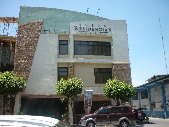 Subic Residencias: hotel from main street