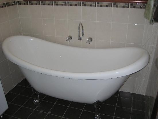 Mudgee Bed and Breakfast: SLIPPER BATH FOR TWO