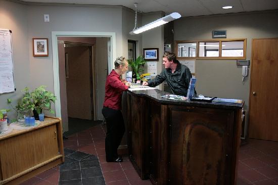 Adventure Queenstown Hostel: Reception