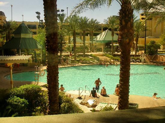 The Orleans Hotel & Casino: Lovely pool
