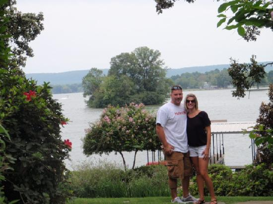Lookout Point Lakeside Inn: Happy Anniversary