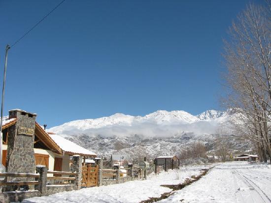 Las Espuelas Casas de Montaña: Nieve en Potrerillos