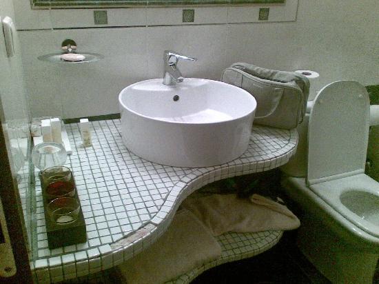 PROSELINOS Guesthouse: bathroom