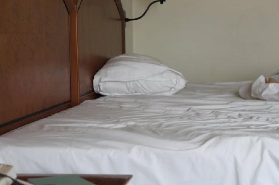 Allium Batam Hotel: Bed