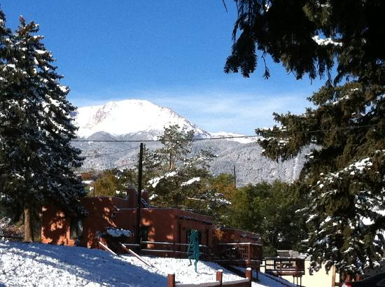 El Colorado Lodge: We had some snow fall