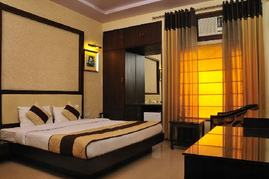 Hotel Star Plaza: Deluxe Room