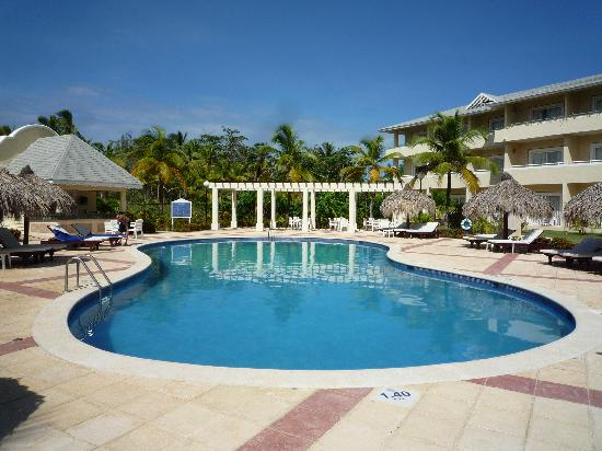 Grand Bahia Principe El Portillo : Quiet Pool.....Our Pool :)