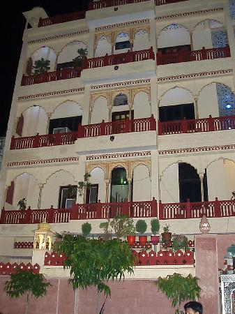 Heritage Hotel Vaishnavi : Hotel front
