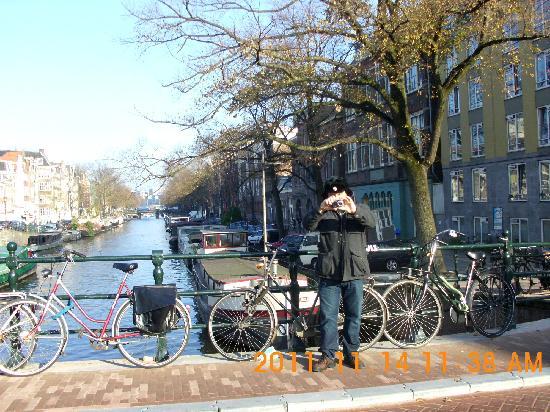 Doria Hotel Amsterdam: 10 min walk