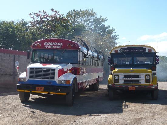 Isletas El Roble: Granada...gare routière.....ses bus..
