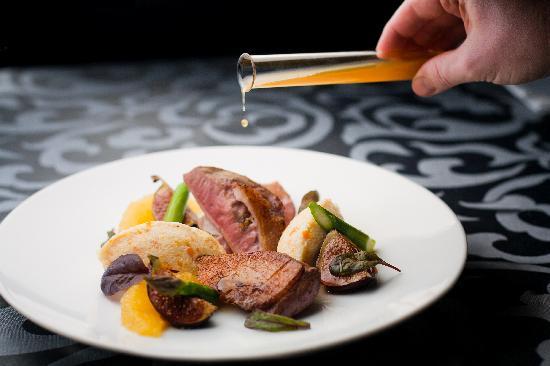Radisson Blu Sky Hotel: Exquisite Cuisine