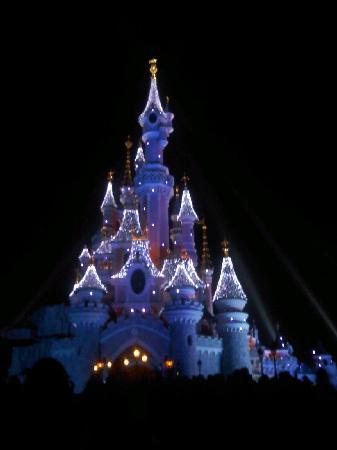 Disneyland Park: Castillo de noche
