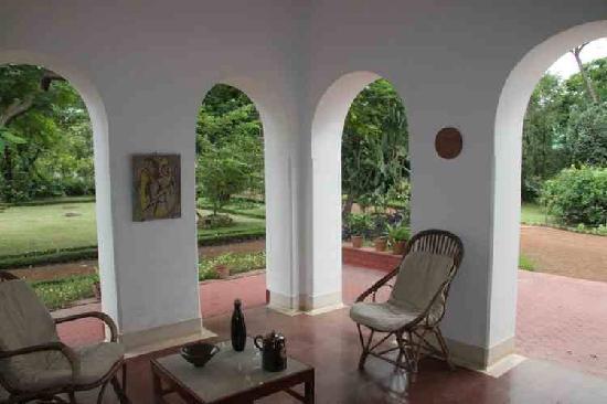 Mitali Homestays: Front verandah