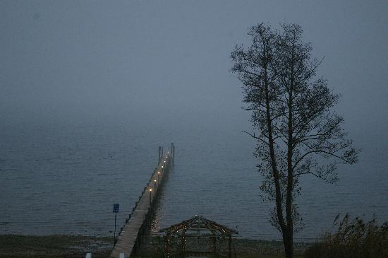 Hotel Malerwinkel: Blick aus Zimmer Nr. 13 im Nebel