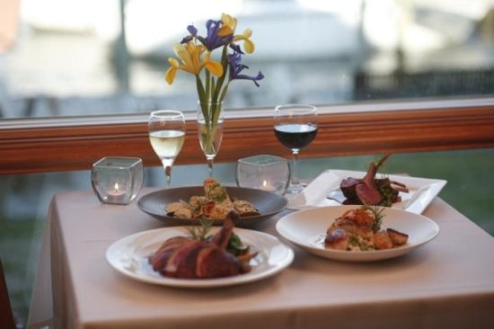 1587 Restaurant: diner for 4 waterfront