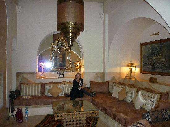 Riad Camilia: Sitting room