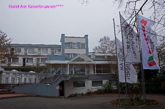 Hotel am Kaiserbrunnen: Main entrance