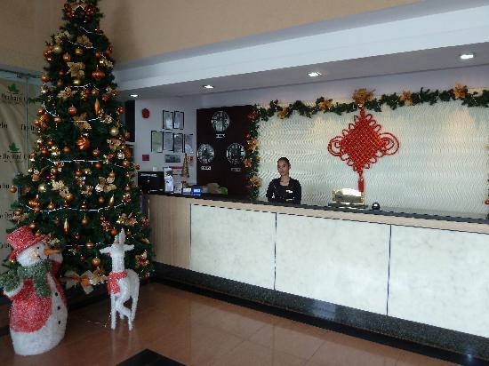 The Orchard Cebu Hotel & Suites: Bald ist Weihnachten