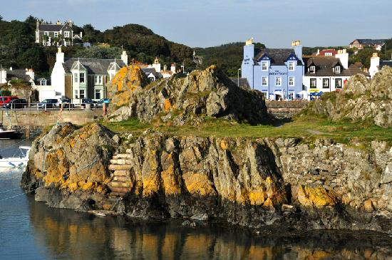The Waterfront Hotel: Portpatrick Harbour