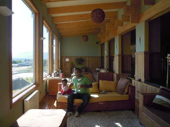 Hotel Temauken: The Lobby