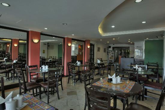 Fersal Hotel - P. Tuazon : Inn Cafe