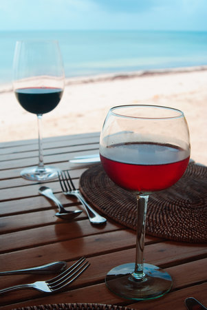 Desroches Island : House wine with ice