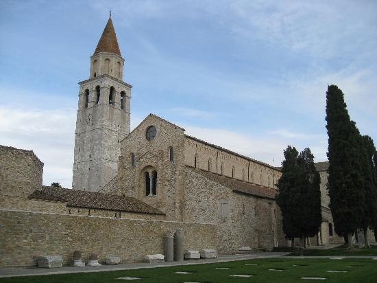 Casa Medievale del Mugnaio B&B: Nearby Basilica of Aquileia