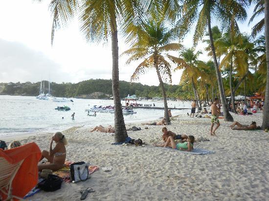Le Rotabas: Strand in St Ann.