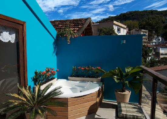 Quinta Azul Boutique Pousada: deluxe room outdoor jacuzzi