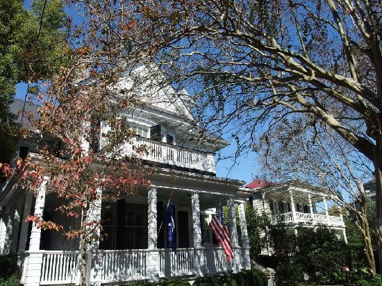 Holiday Inn Express Hotel & Suites Mt Pleasant-Charleston: Old Charleston houses