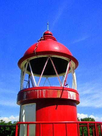 Takamatsuko Tamamo Breakwater Light: 保存されている昔の赤灯台