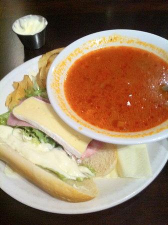 West Port Bar & Kitchen: Soup and Half Baguette