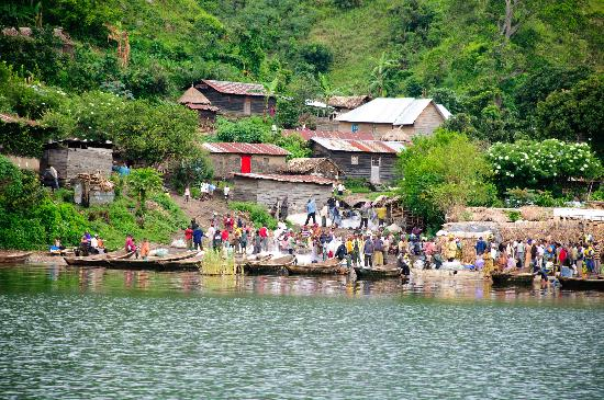 Lake Kivu: Fishing village