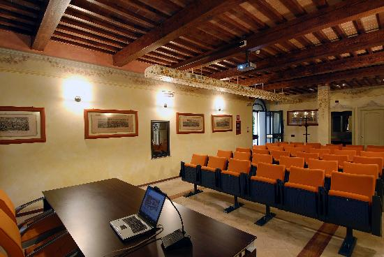 Bologna Hotel Pisa: Meeting Room