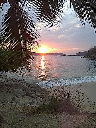 Las Brisas Huatulco: Nothing better than a superb sunrise!